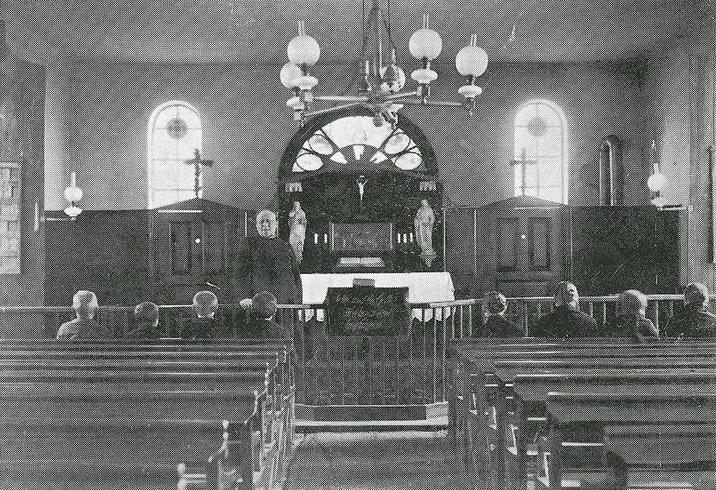 Pastor Sengelmann bei einer Andacht in der Kapelle